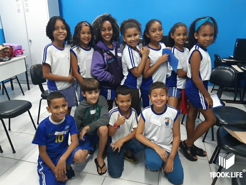 Students posing to a picture